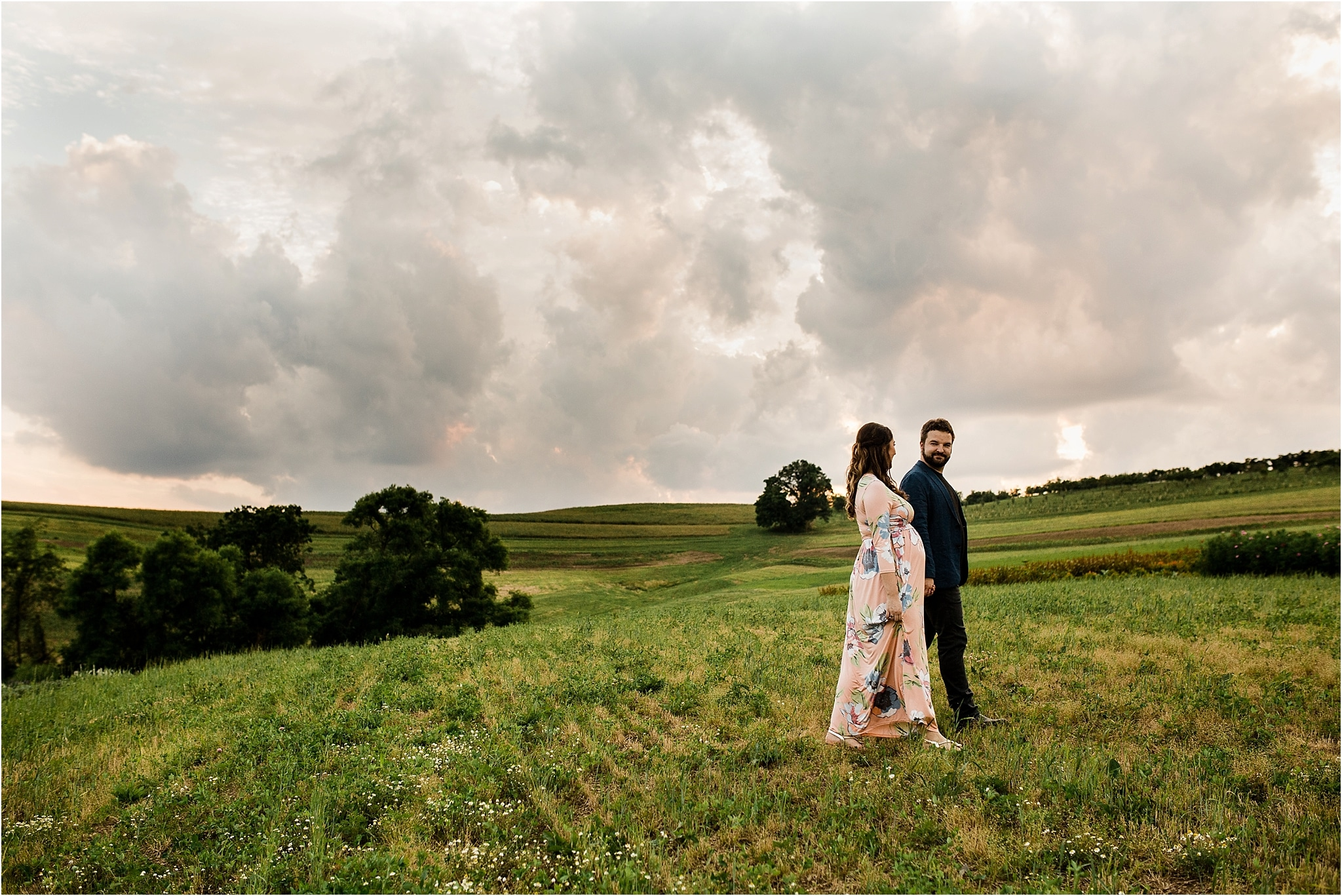 Husband and wife maternity photos at Pittsburgh farm