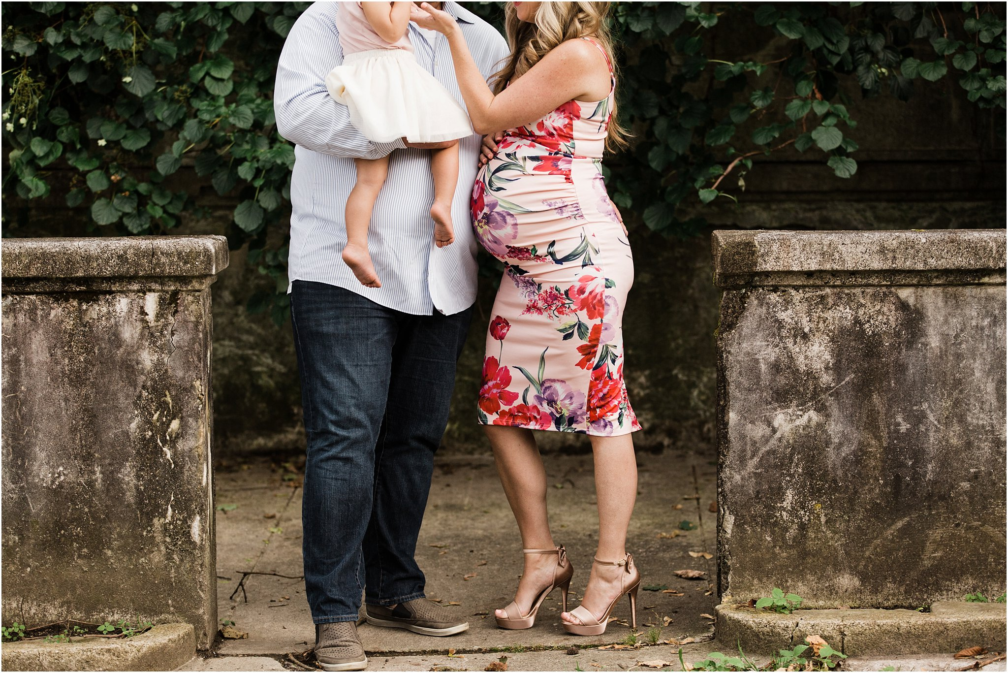family maternity bump photo