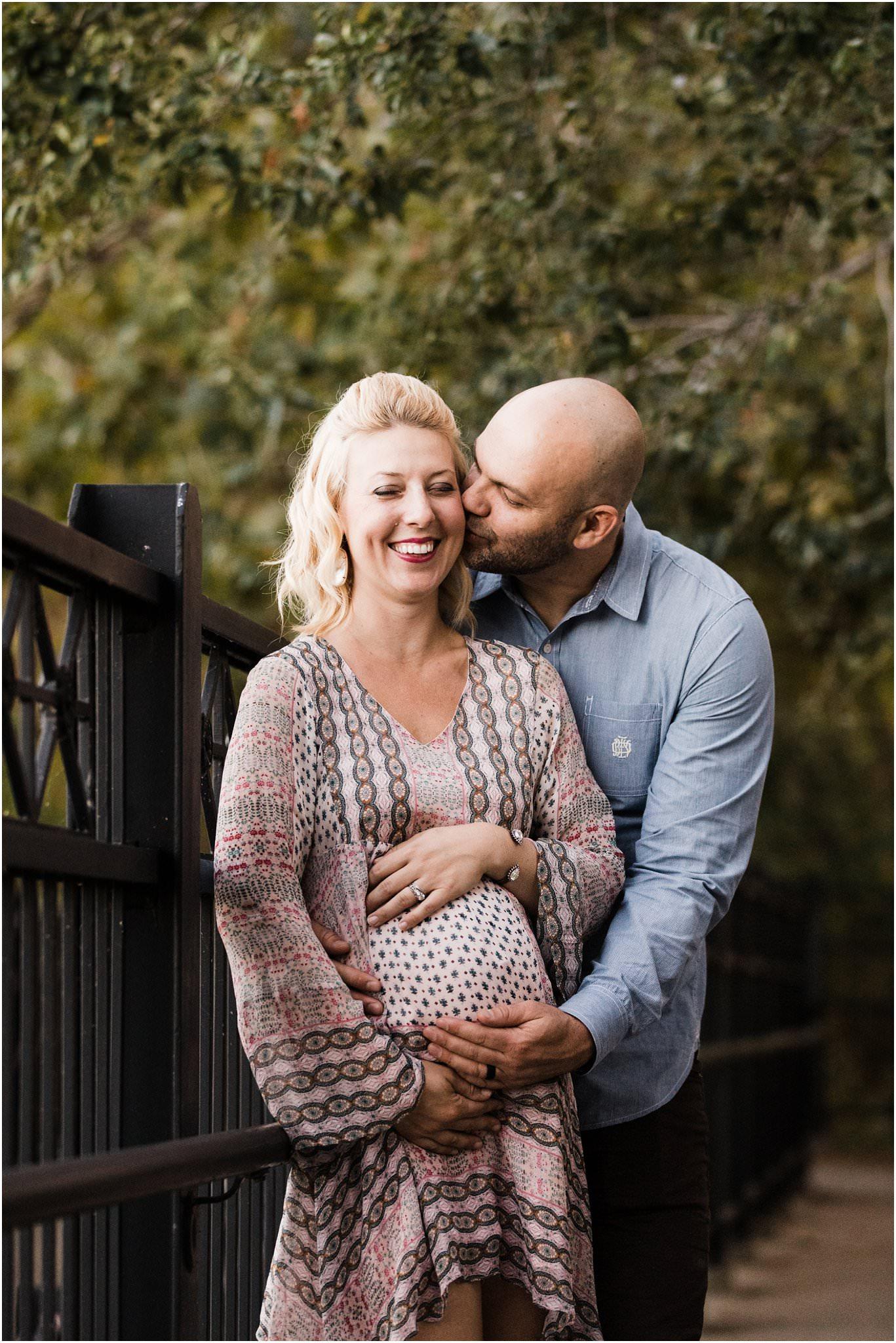 couples maternity photo