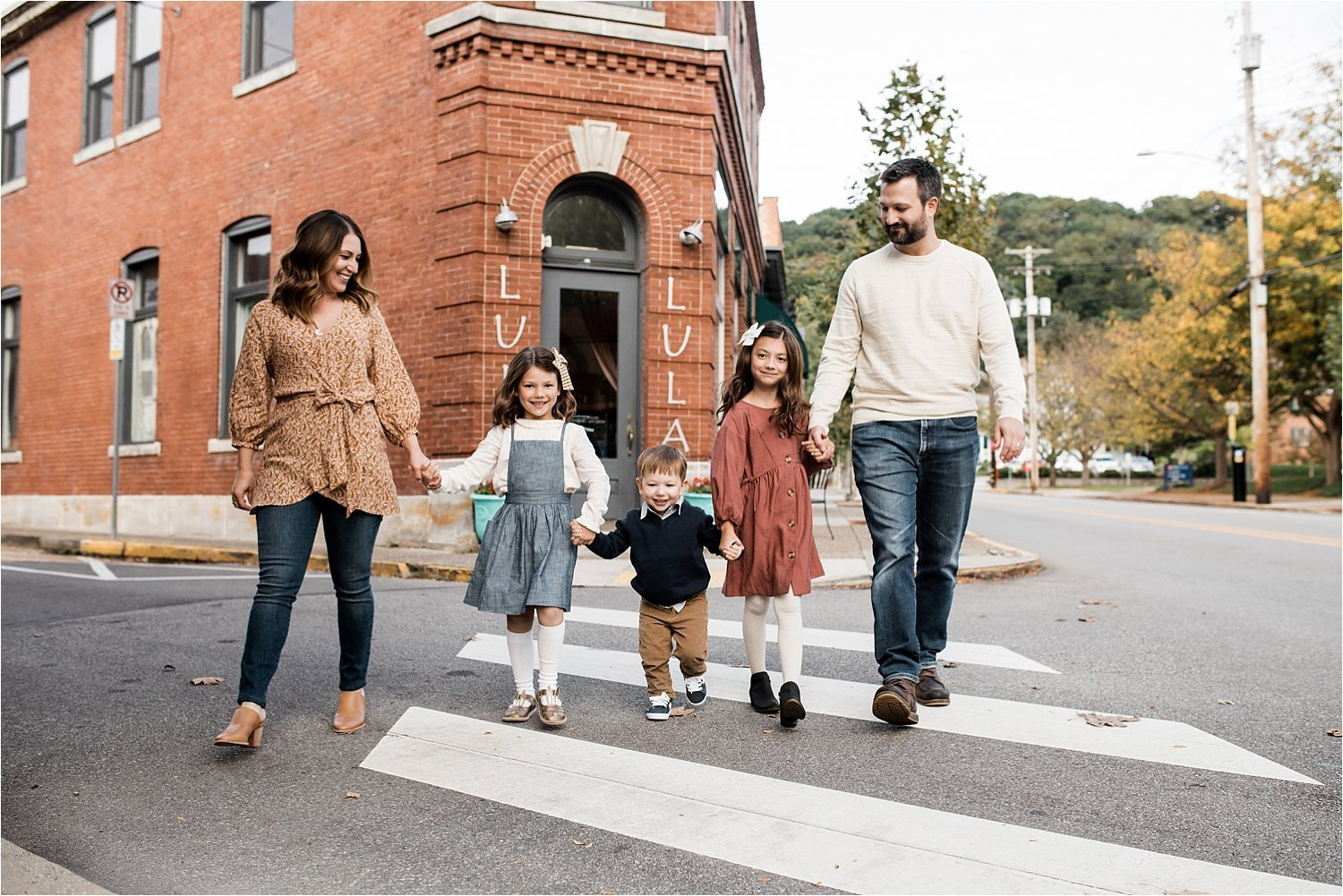 fun and natural family photos in sewickley