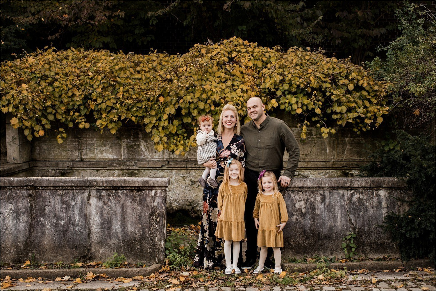fall family portrait in Pittsburgh PA