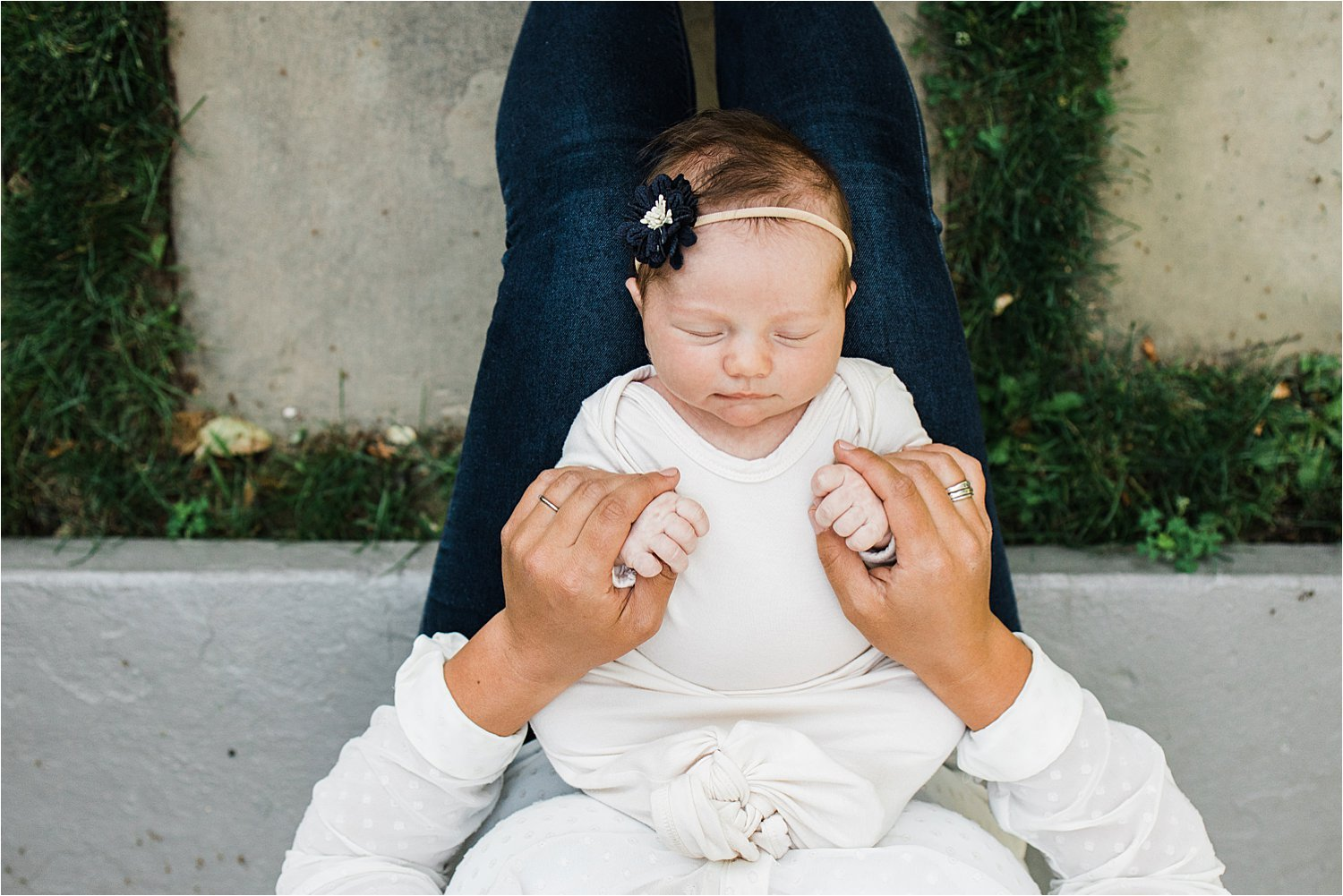 outdoor and natural newborn photo during covid-19 pandemic