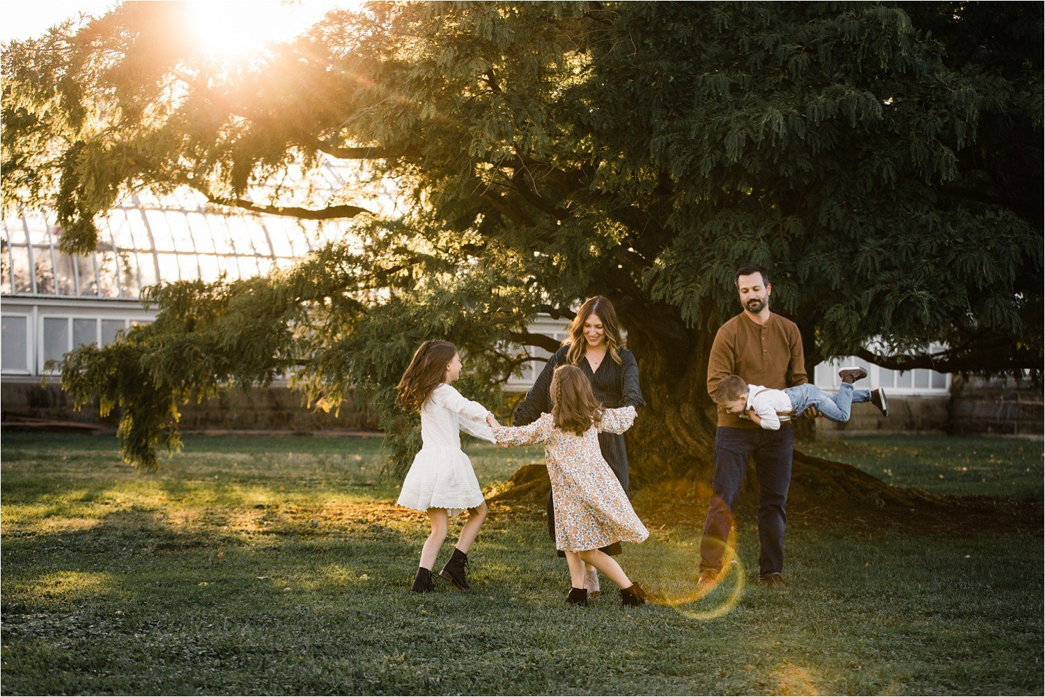 relaxed and fun golden hour family photography